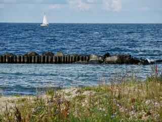 Segelboot auf der Ostsee vor Rügen