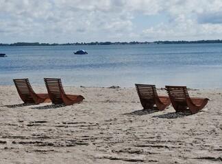 Liegestühle am Strand von Dranske auf Rügen