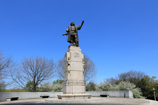 The Christopher Columbus statue in Chicago's Grant Park.