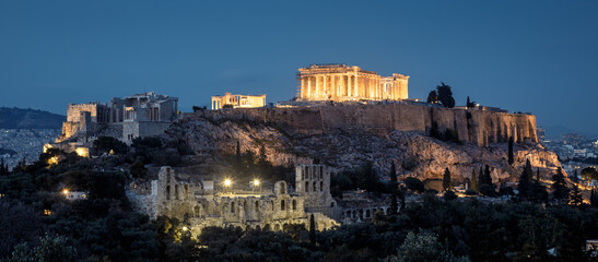 Fototapete - Acropolis hill with famous Parthenon at night, Athens, Greece. Old Acropolis is top landmark of Athens.