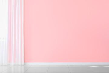 Fotorolgordijn Londen Color wall in empty room