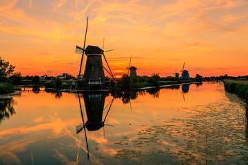 Foto auf Leinwand Rotterdam Rotterdam; Windmühle; Kinderdijk