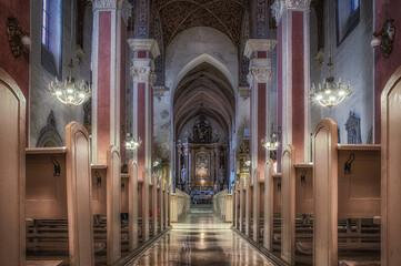 Obraz wnętrze kościoła katolickiego w Opolu - fototapety do salonu