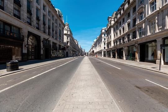 UK, London, Empty Regent's street on a sunny day