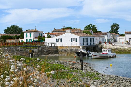 petit port de Loix sur l'Ile de Ré