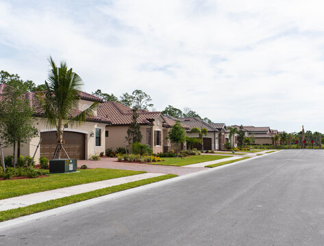 South Florida golf community and luxury retirement homes