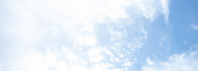Cirrus Clouds in a Blue Sky banner background Fototapete