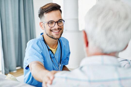 nurse doctor senior care caregiver help assistence retirement home hospital nursing elderly man caregiver