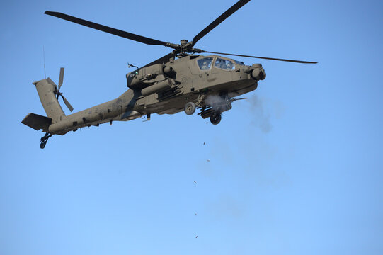 Apache Miliatry Helicopter