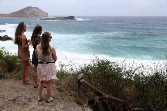 Hawaiians prepare for the arrival of Hurricane Douglas in Honolulu