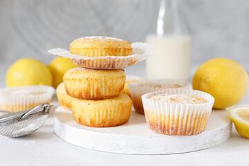 Lemon muffins with sugar powder