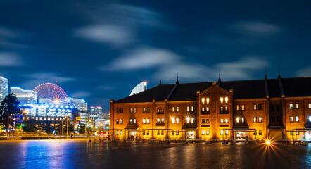 横浜 赤レンガ倉庫とみなとみらい21 夜景