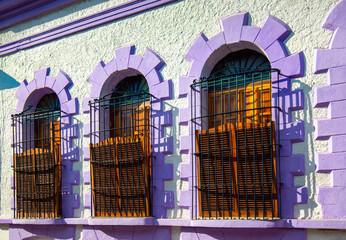 Mexico, Mazatlan, Colorful old city streets in historic city center