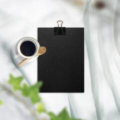 白い布背景と文房具や仕事道具