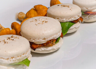White pepper macarons with Chanterelle
