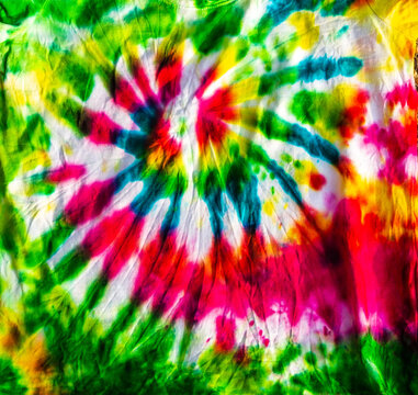 brilliant patterns made using tie dye