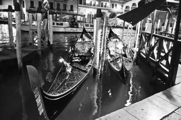 Fotorolgordijn Gondolas gondola in venice