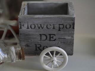 Obraz Stylowe pudełko na przybory - fototapety do salonu