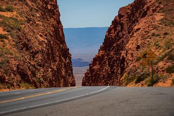 Fotobehang Route 66 Roud of the Mojave Desert near Route 66.