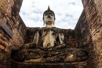 Foto auf Acrylglas Historische denkmal Buddha statue in Sukhothai Historical Park, Thailand.