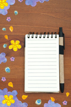 Doodle_note pad_blank_dreamy_flowers_ornaments_background_upright