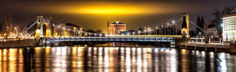 Wroclawski Most nocą