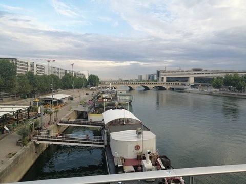 Paris, France. Quais de la Seine.