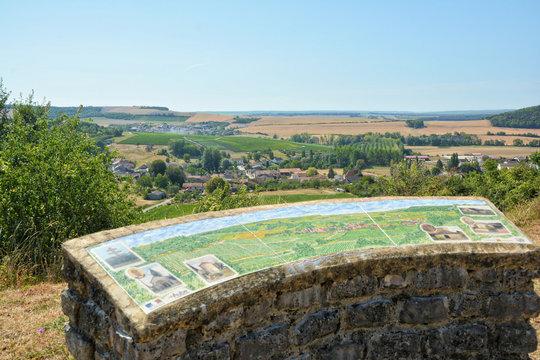 Colombé La Fosse (Aube) Table d'orientation en haut du village