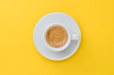 Photo sur Plexiglas Cafe espresso coffee on yellow background
