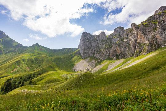 Vallée montagneuse en Haute Savoie