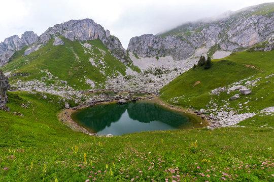 Point de vue sur le Lac de Darbon en Haute Savoie