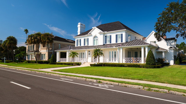 Tampa, Florida Luxury Homes along Bayshore Boulevard
