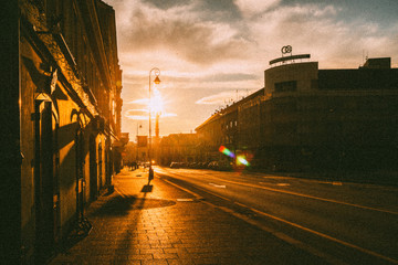 sunset in the city Fotomurales