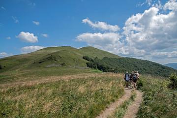 Obraz Szlak turystyczny w Bieszczadach - fototapety do salonu