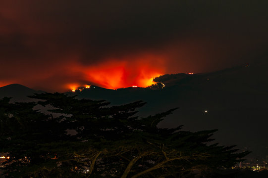 Salinas River Fire from Monterey, night of 08/16/2020