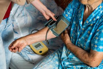 Shocking big blood pressure Papier Peint