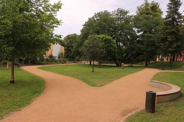 Blick in den Europa-Garten im Zentrum der Stadt Gernsheim
