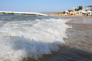 Welle am Griechischen Sandstrand