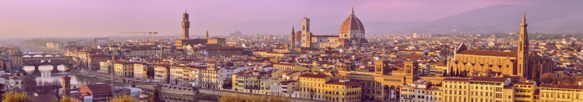 Panoramic view of Florence city crossing the river