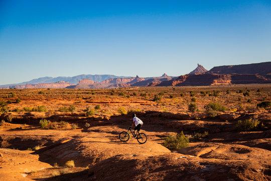 moab mountain biking in the desert