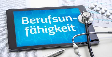 Ein Tablet mit dem Text Berufsunfähigkeit auf dem Display