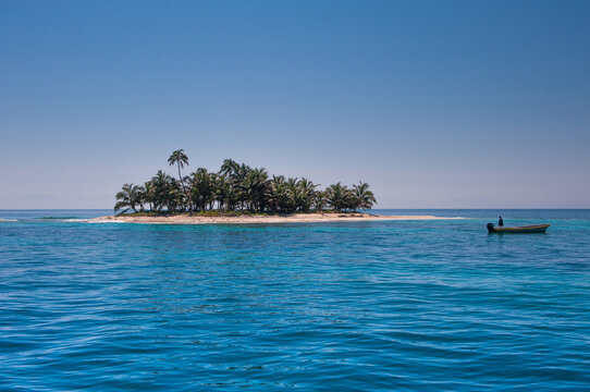 Honduras Roatan ,Cayos Cochinos island ,beach and tropical sea