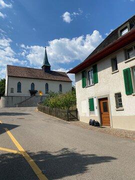 Kirche in Feuertalen bei Schaffhausen im Kanton Zürich in der Schweiz