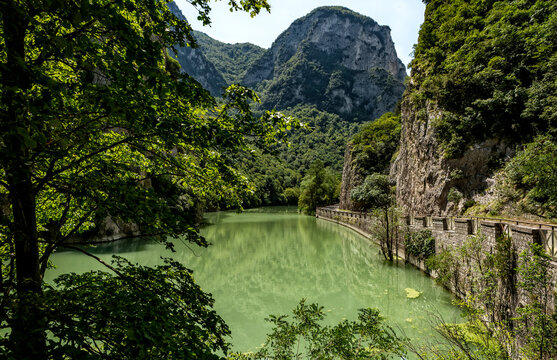 Gola del Furlo, a narrow gorge formed by the river Candigliano in the province of Pesaro-Urbino along the old via Flaminia route (Italy)