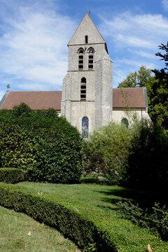 Eglise Sain t-Quentin à Chamarande