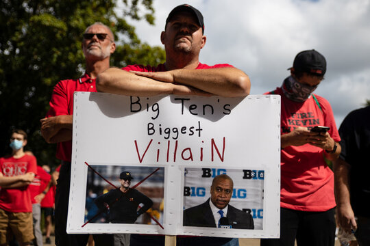 Parents of Ohio State football players stage a protest