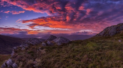 Photo sur Plexiglas Marron chocolat SUNRISE OVER THE PANORAMIC LANDSCAPE OF SCOTLAND SUNRISE PANORAMIC LANDSCAPE NATURE