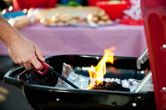 Tailgating: Starting Up Grill Fire