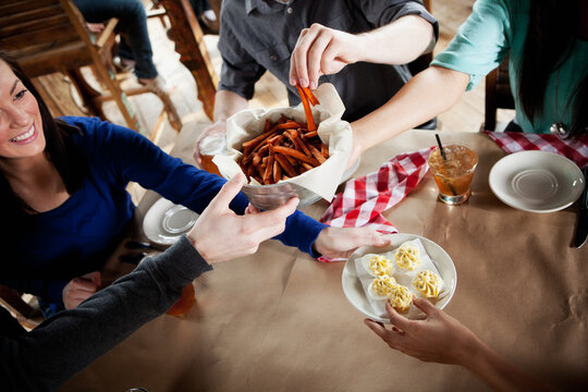 Barbeque: Passing Appetizers Around the Table