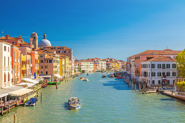 Printed roller blinds Gondolas Venice cityscape with Grand Canal waterway. View from Scalzi bridge. Gondolas, boats, yachts, vaporettos docked and sailing Canal Grande. Venetian architecture buildings. Veneto Region, Italy.